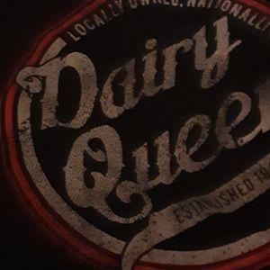 Jerzees sweat shirt Dairy Queen emblem long sleeve